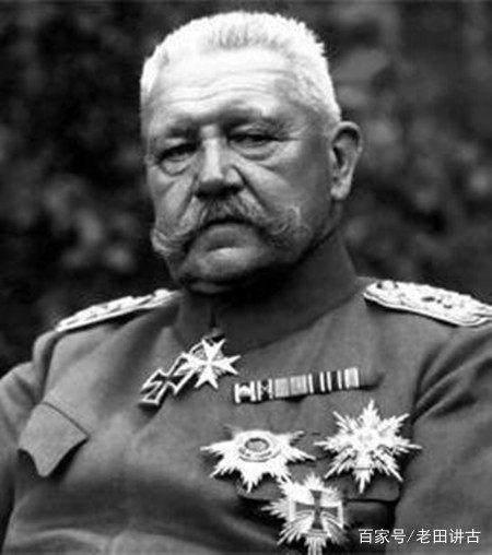 只有在这个人面前,希特勒才显示出自己的谦卑